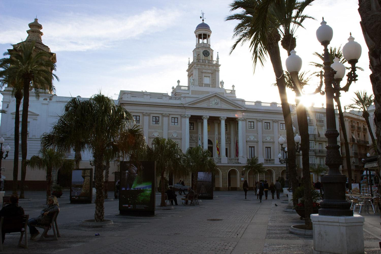 C diz cadiz turismo for Ayuntamiento de cadiz recogida de muebles